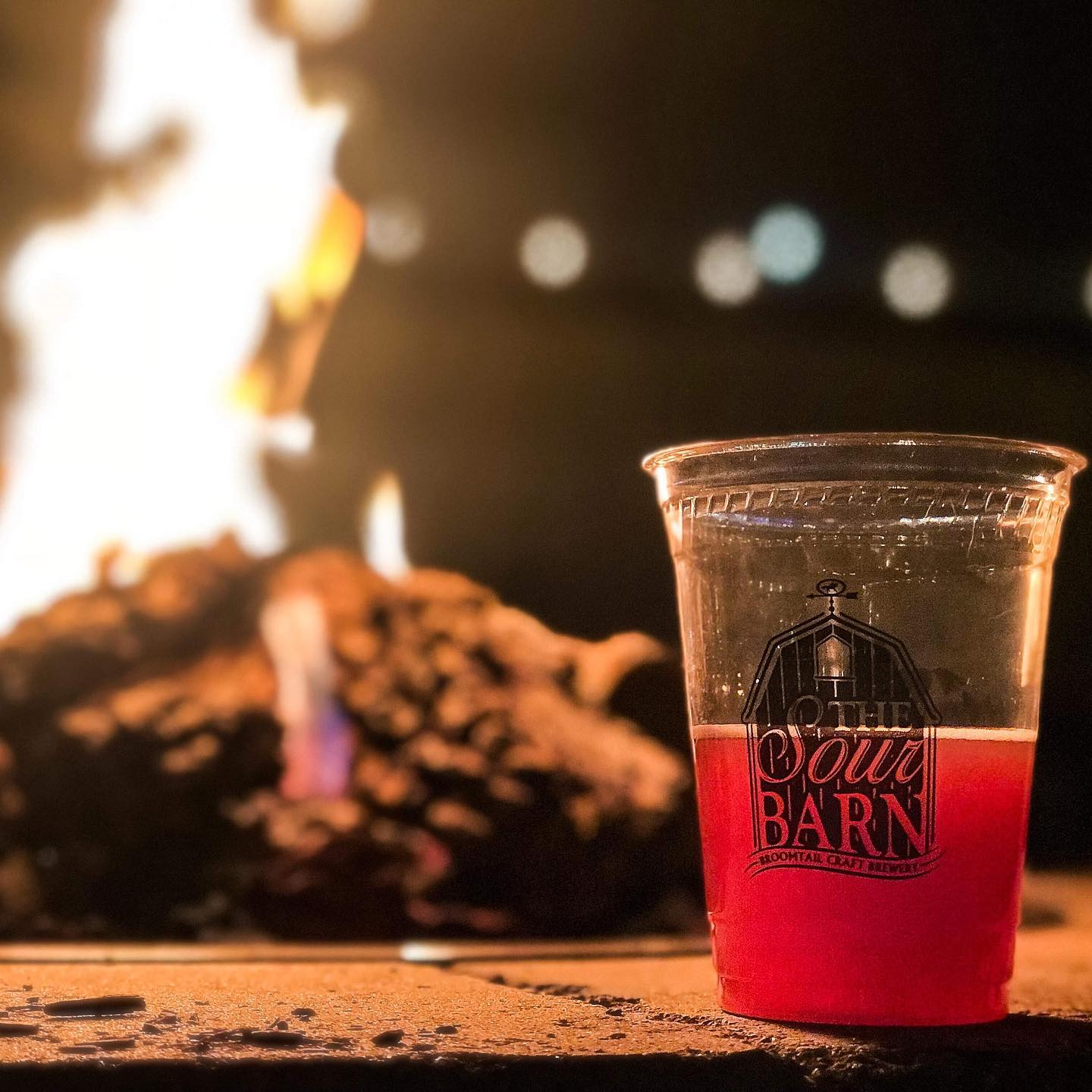 TheSourBarn_wilmingtonNC_livemusic_localbands_brewery_outdoorseating