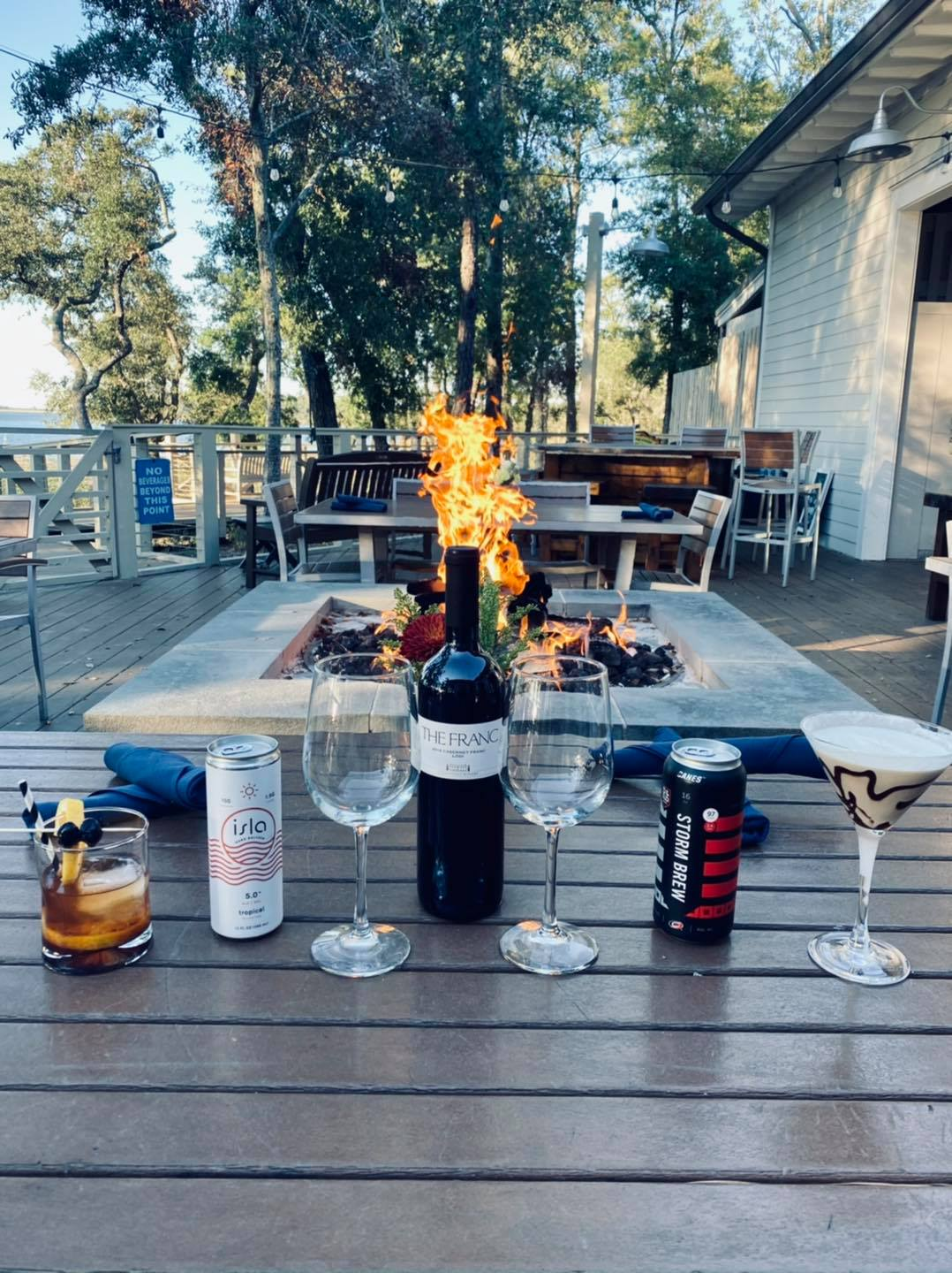 WilmingtonNC_SmokeOnTheWater_riverview_Restaurant_livemusic_localbands_WilmingtonVisitor