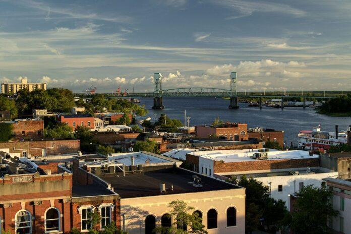 RooftopBar_livemusic_localbands_historic_downtown_Wilmington sunset views water views